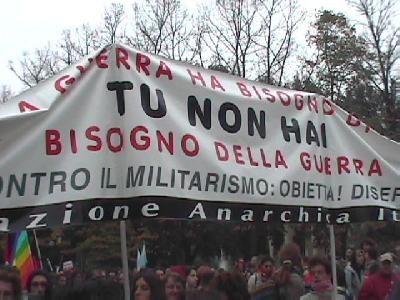 contro il militarism...