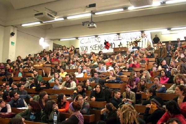 assemblea in aula II...